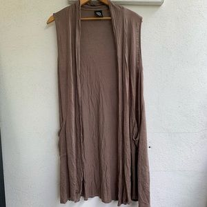 Bobeau sleeveless tan brown cardigan top medium